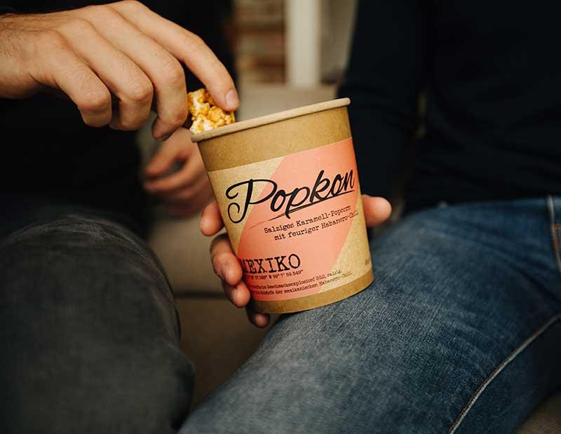 Popcorn Becher des Startups Popkon