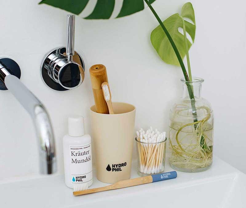 Geschenk #20 war die nachhaltige Bambus-Zahnbürste von Hydrophil