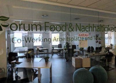 Das Forum Food & Nachhaltigkeit war für uns der ideale Co-working Space, um in einem lebhaften Umfeld zu arbeiten und unsere Adventskalender zum leben zu bringen