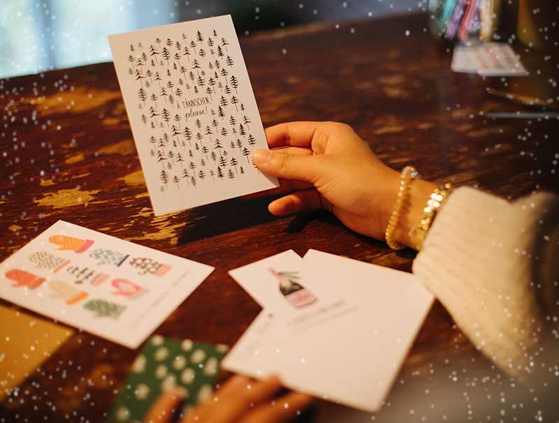 Geschenk #5 war Set von Typealive bestehend aus Postkarte, Geschenkanhänger und Briefumschlag