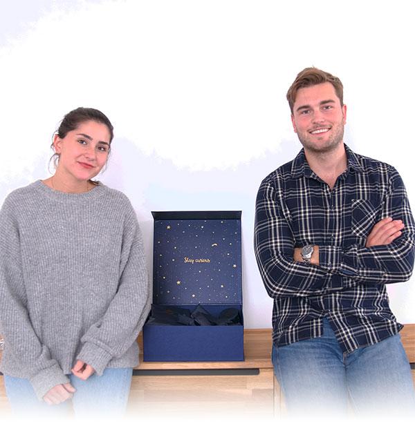 Lea und Josias mit dem nachhaltigen Adventsome Adventskalender 2019